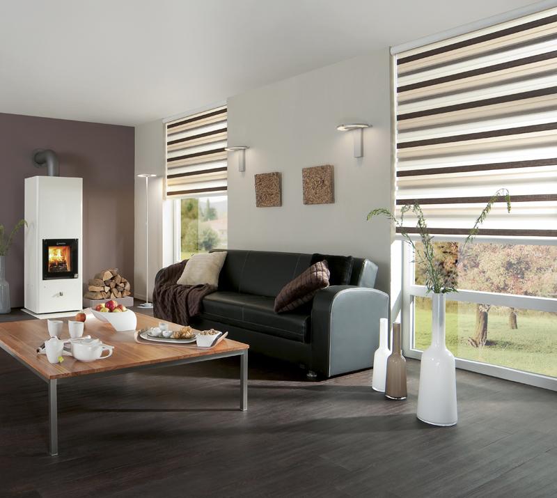 Lieblich Großzügiges Wohnzimmer Mit 2 Fenstern Mit Doppelrollos, Herbstlich  Gestaltet Slim Line Trio, 128.00