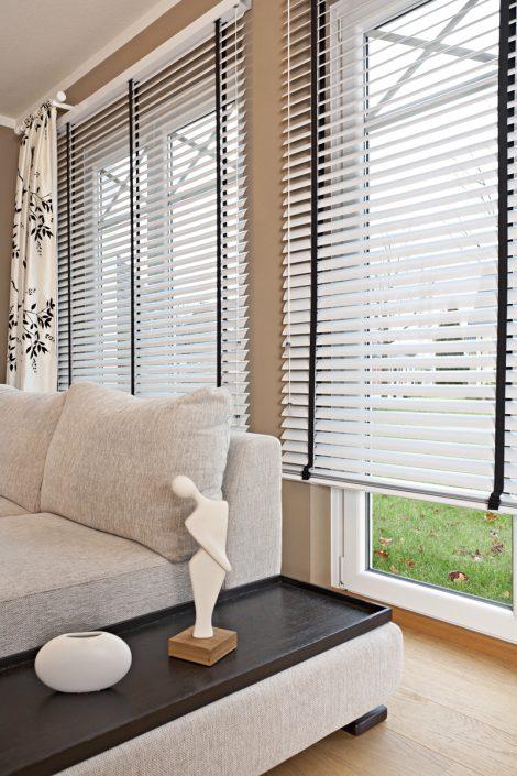 rollo wohnzimmer raff rollo enorm schones zuhause. Black Bedroom Furniture Sets. Home Design Ideas